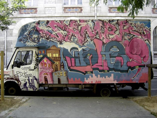 graff camion polis