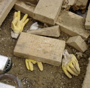 gants écrabouillés - niveua chantier tram lagny 12e