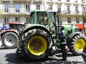 manifestation tracteurs à paris - photo paule kingleur