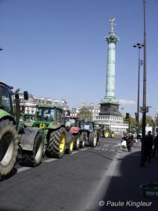 Manifestation agriculteurs et tracteurs bastille, photo paule kingleur