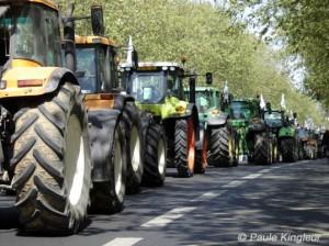 tracteurs bd beaumarchais 11e, photo paule kingleur
