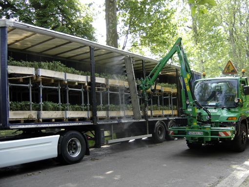 arrosage des plantes dans camion au bois de vincennes Nature Capitale - photo paule kingleur / Paris Label