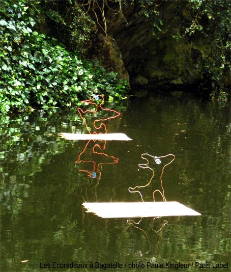 ecoradeaux renardeau et canard à bagatelle : pédagogie joyeuse et artistique pour l'année de la biodiversité 2010 à paris - photo paule kingleur