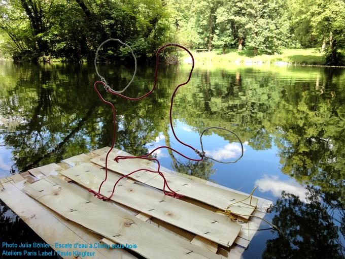 fabrication de radeaux par les enfants de clichy sous bois sur une idée de Paule Kingleur / Paris Label pour Escale d'Eau (CG 93 et l'eau est le pont)