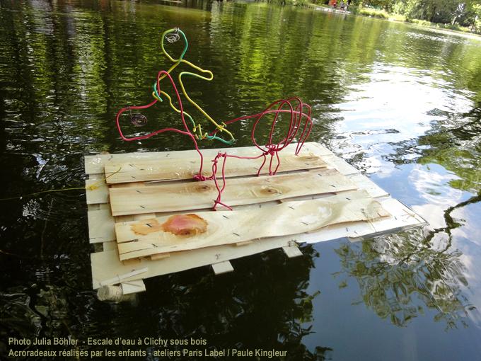 Escale d'eau à clichy sous bois - opération du conseil général du 93 - ateliers cirque et scénographie aquatique Paris Label et Paule Kingleur