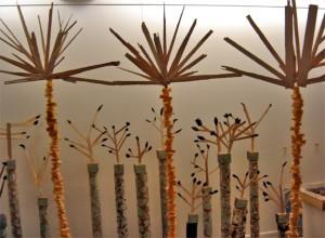 """La forêt a du réseau : atelier-expo dans le cadre de """"Promenons-nous dans les bois"""" au Parc de Bagatelle. Année internationale des forêts, ateliers menés par Paule Kingleur auprès d'enfants des centres de loisirs de la ville de Paris,"""