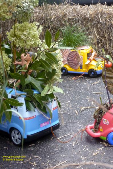 """camion-jardin hortensia et laurier réalisé par Anne Maurange pour l'installation """"Apporte ton camion, on va le planter !"""" Parking Day 2011 - sur une idée de Paule Kingleur"""