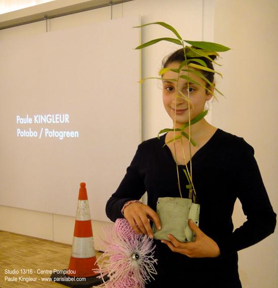 jeune fille avec sa création Potogreen au bambou - atelier de Paule Kingleur au Studio 13/16