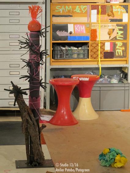 Potobo dit le Potochoupinette réalisé par Justine avec des éléments nature et urbain. Proposition Potobo/Potogreen de Paule Kingleur pour l'expo Green Attitude du Centre Pompidou / Studio 13/16