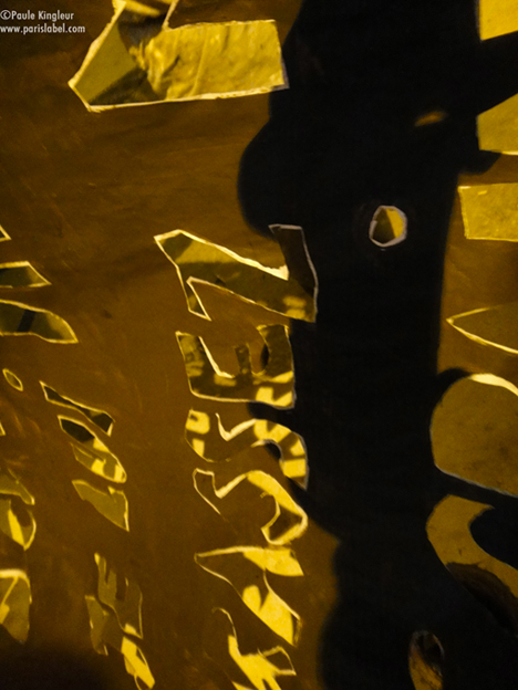 lettres pochoir d'un poème d'Aimé Césaire pour la Meeao - paris label - interventions d'artistes Paule Kingleur, Anne Maurange, Esther Yaya, Rémi Bovis, Cyril Bosc...