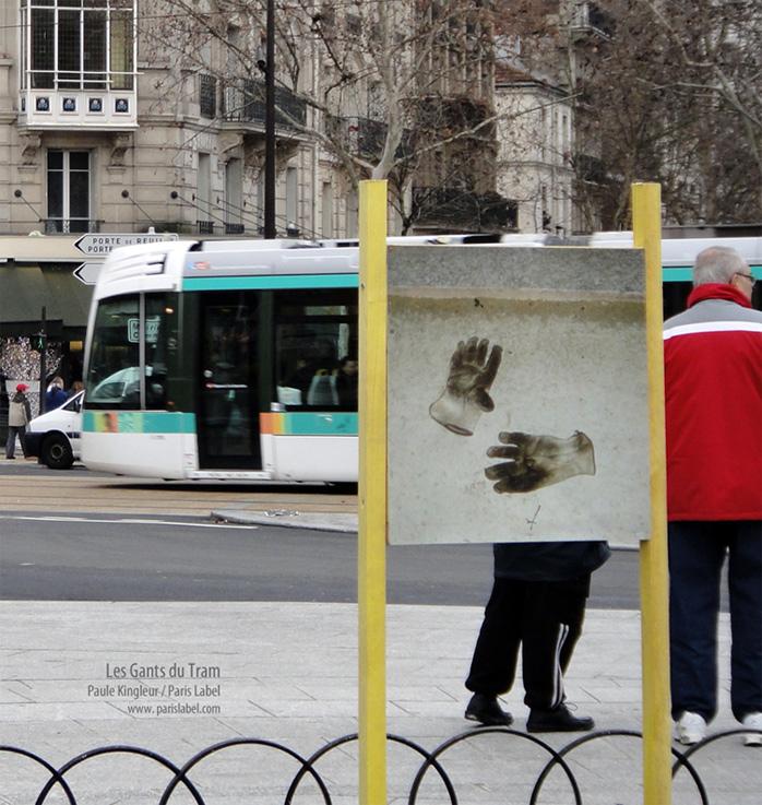 Hommage aux ouvriers du tramway - installation photos bâches et constructions bois par Paule Kingleur - décembre 2012
