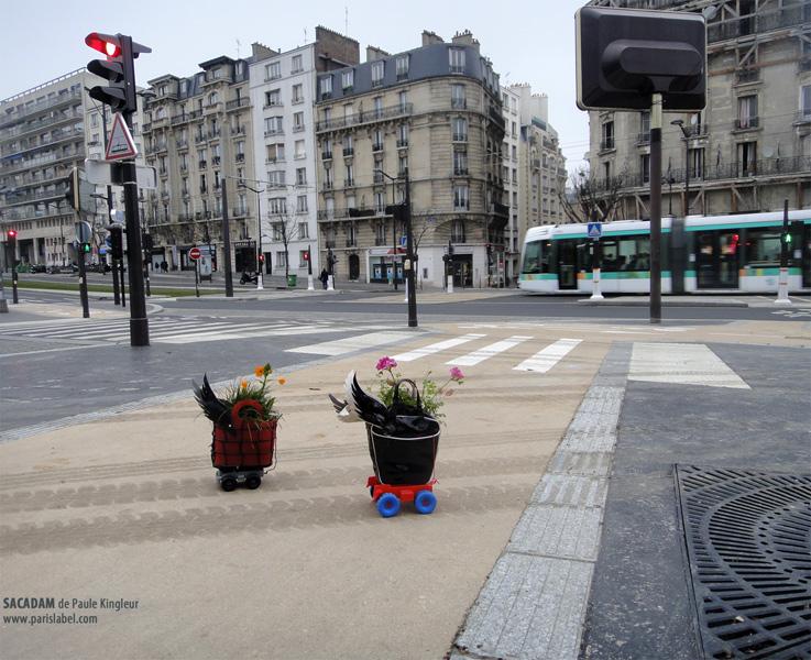 Sacadam en route pour le Parcours Filles / Femmes du comité des Métallos - Création février 2013 de Paule Kingleur pour Paris Label