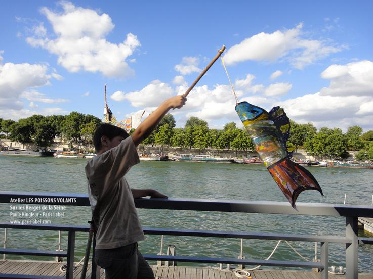 Poisson volant des ateliers sur les Berges de la Seine par Paris Label Pauel kingleur, juillet et août 2013
