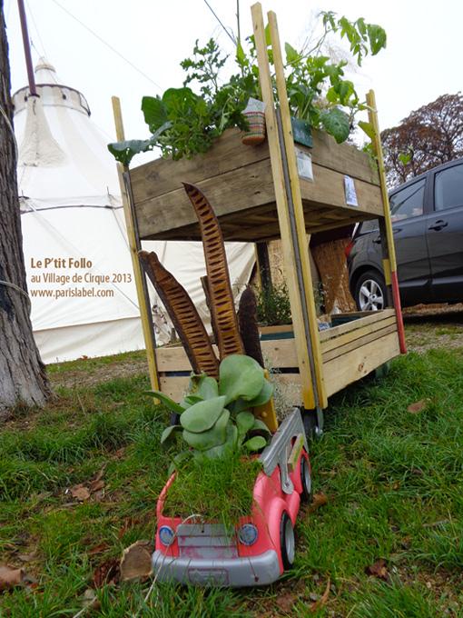 """Potager ambulant le P'tit Follo (jardin en langue soninké) ici tiré par un truck-toy garden ! Création Paris Label pour végétaliser la ville. """"Végétalisations Innovantes"""""""