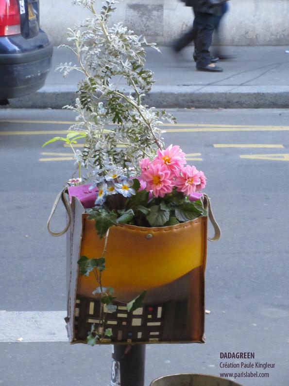 dadagreen-rose devant le restaurant l'Annexe - Création Paule Kingleur